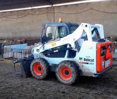 Аренда мини-погрузчика Bobcat 530